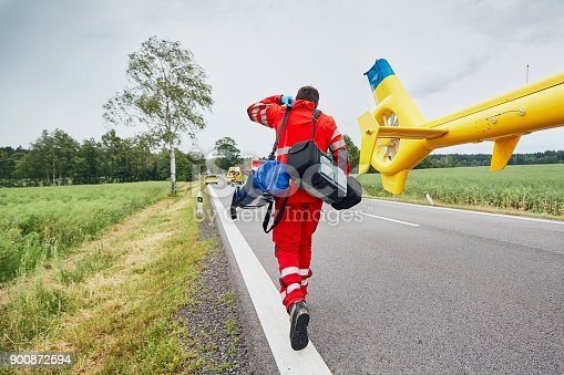 istock Helicopter emergency medical service 900872594