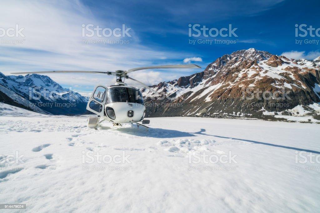 Hubschrauberlandeplätze auf einen Schneeberg – Foto