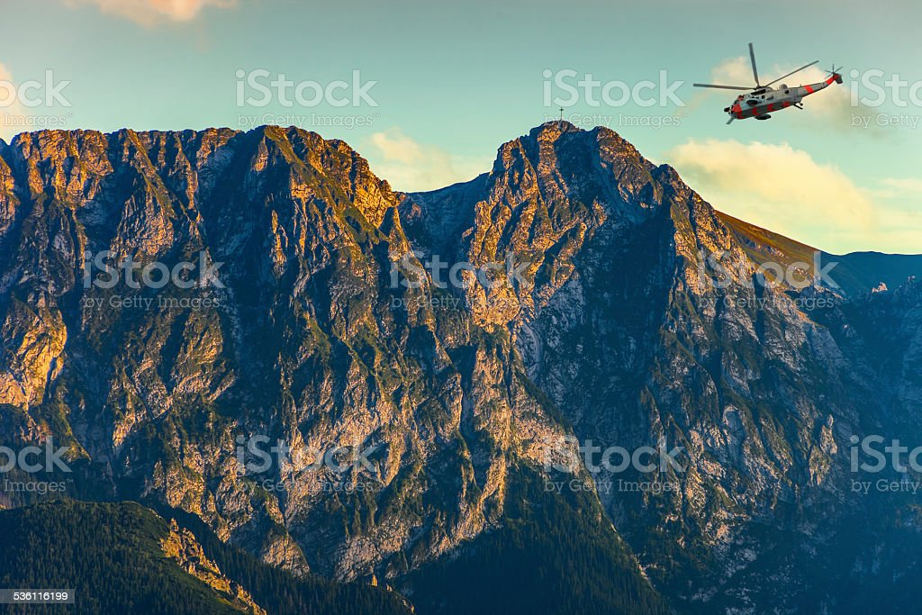 Resgate de helicóptero - foto de acervo