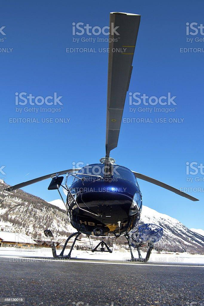 Helicóptero Suíça Jet Eurocopter como 350B Ecureuil - 3 - fotografia de stock