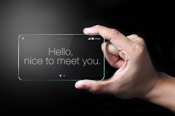 hallo formulierungen auf transparente smartphone - hello stock-fotos und bilder