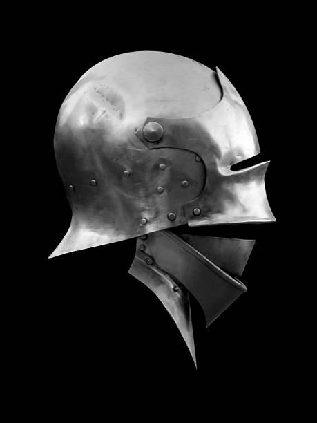 helm von knight - hochmittelalter stock-fotos und bilder