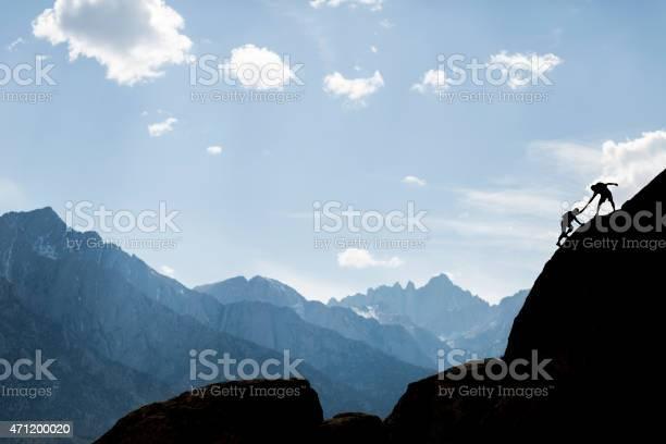 Helfende Kletterer Stockfoto und mehr Bilder von 2015