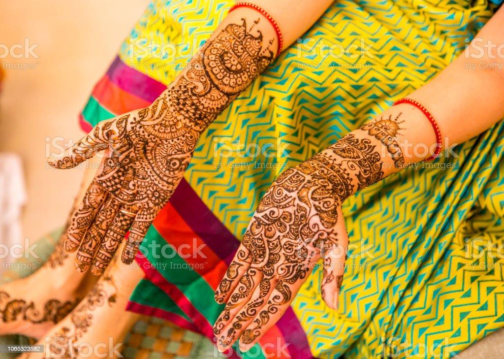 3eccf0e184cb4 Henna Tattoo On A Brides Hands Indian Wedding Stock Photo & More ...