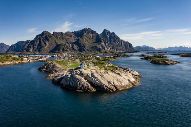 Die Henningsvaer Lofoten sind ein Archipel in der norwegischen Provinz Nordland. – Foto