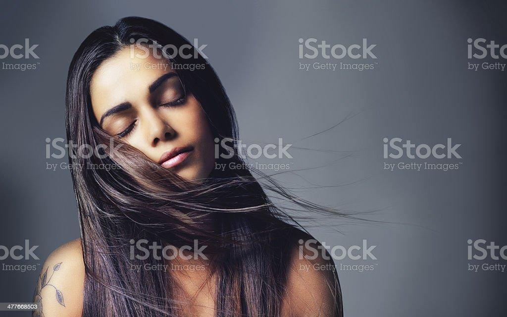자신의 아름다움을 모든 자연스럽다 - 로열티 프리 갈색 머리 스톡 사진
