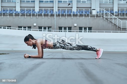 istock Her body is perfect. 981764948