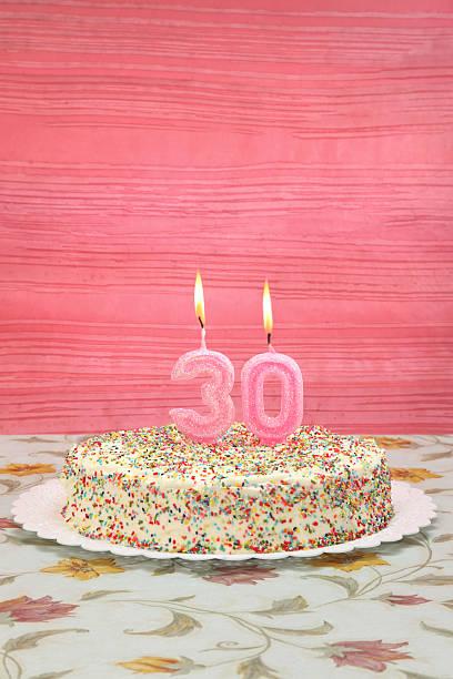 jej trzydziesty urodziny - 30 te urodziny zdjęcia i obrazy z banku zdjęć