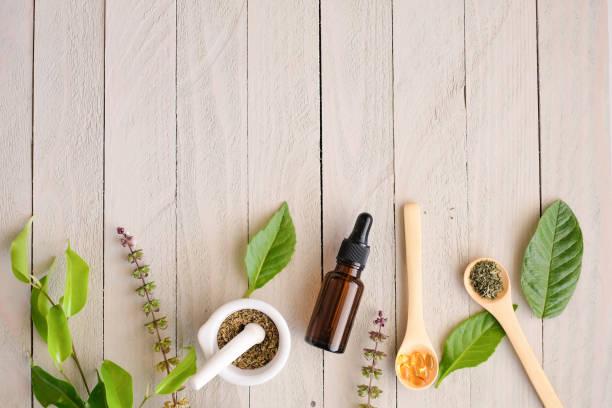 kräutermedizin bio-produkt. natürliche kräuter aus der natur unerlässlich. - nahrungsergänzungsmittel stock-fotos und bilder