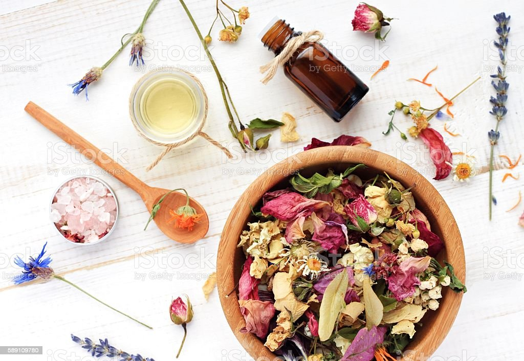 Herbal skincare ingredient preparation background - foto stock