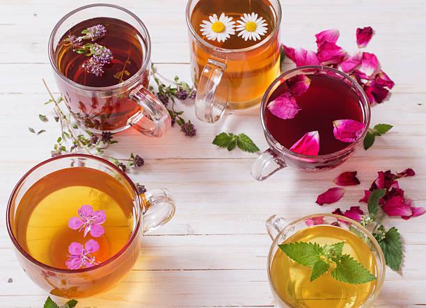 Herbal tea on a white wooden background picture id623608314?b=1&k=6&m=623608314&s=612x612&w=0&h=ltiwd1 nxttkcozlfd7jvl1yzsbh12xbw l9lnrmpbe=