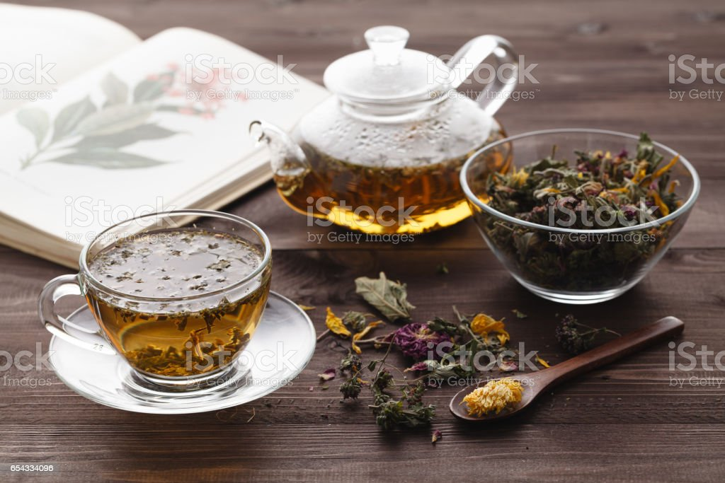 Herbal tea with rose buds - foto stock