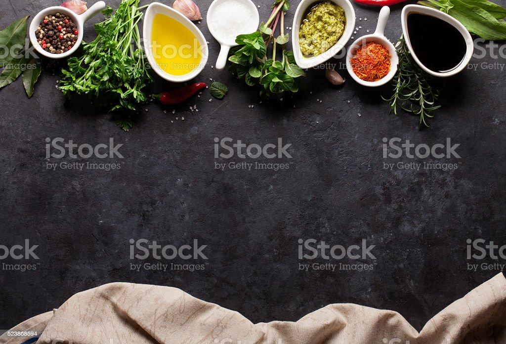 Herbes, des épices et de condiments - Photo
