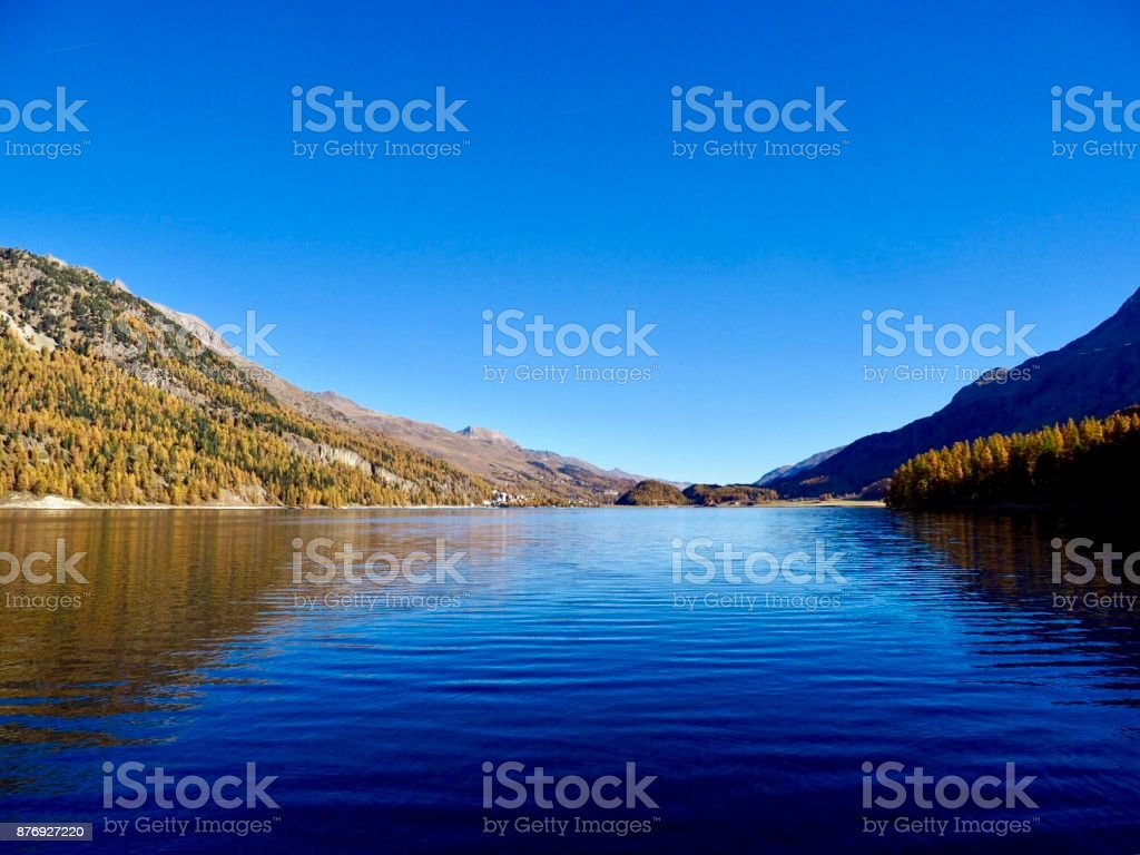 Herbst am Silsersee, Engadin stock photo
