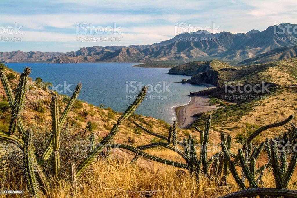 Bahía Baja oculta - foto de stock