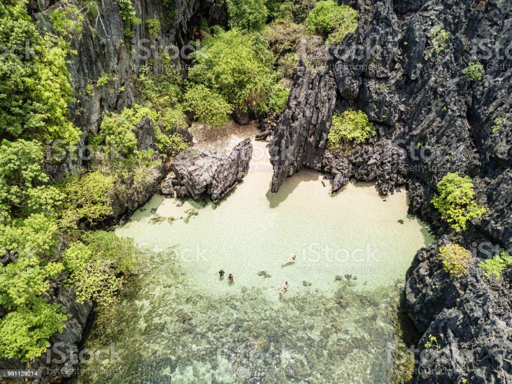 Versteckte Paradies Beach Matinloc Island-El Nido-Philippinen – Foto
