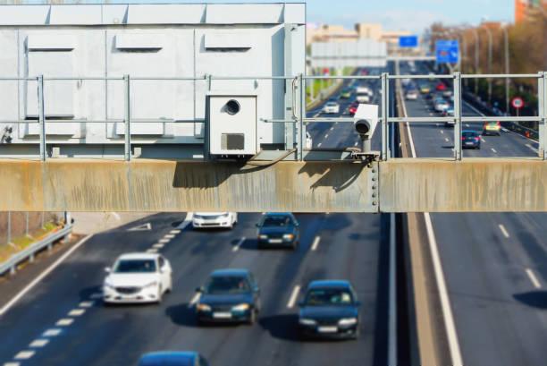 hidden traffic radar speed enforcement - radar foto e immagini stock