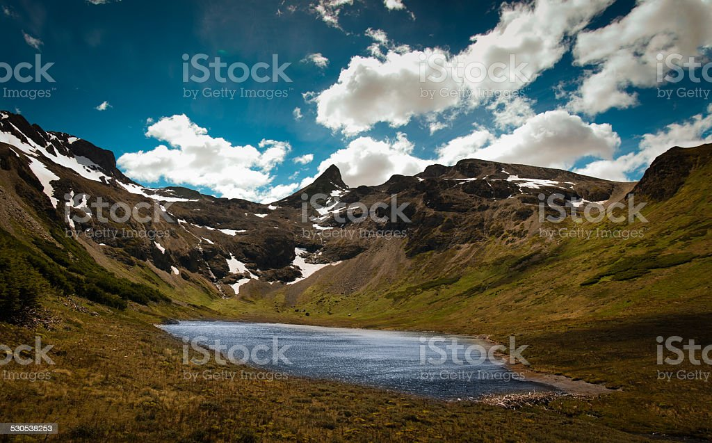 hiden laguna en ushuaia argentina enchanted a la laguna - foto de stock