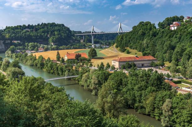 Vue d'ange élevé de la sarine et du pont de Poya - Fribourg - Suisse - Photo