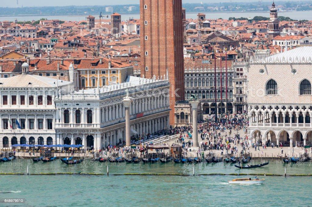 Vue rapprochée d'un angle élevé de St Mark Square à Venise - Photo