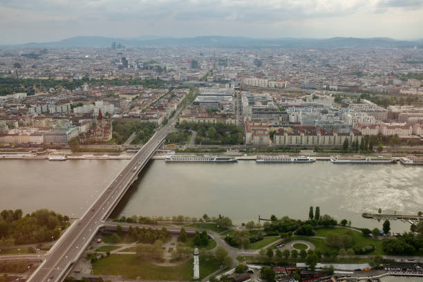 high angle view from the dc tower 1 - wien foto e immagini stock
