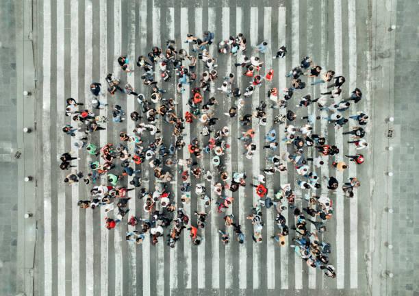 High angle view of people forming a speech bubble picture id1070513916?b=1&k=6&m=1070513916&s=612x612&w=0&h=tuyrm3bpjrpi0kyfjhxofhajg7ezrvzr4ealwoj63yu=