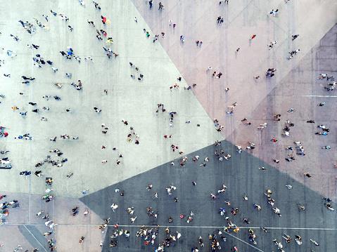 Hög Vinkel Syn På Människor På Gatan-foton och fler bilder på 2018