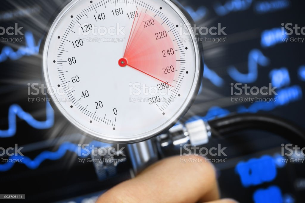 Bluthochdruck auf das tonometer – Foto