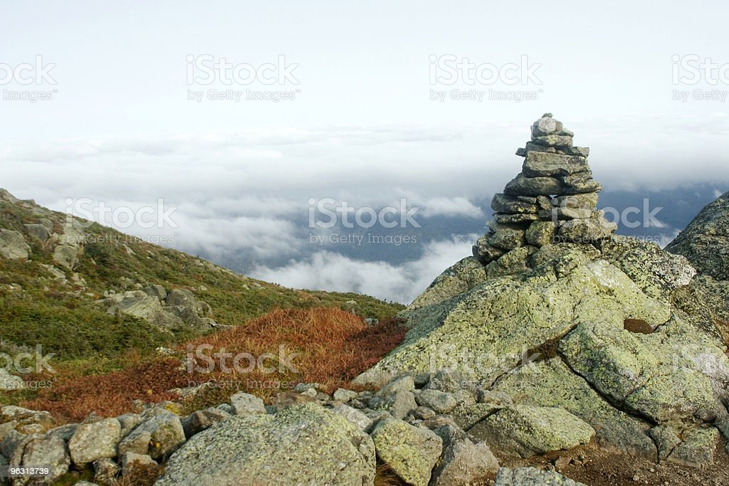 High cairn - Royaltyfri Ansträngning Bildbanksbilder