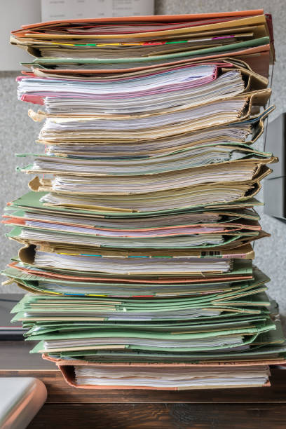 Hohen Datei Berg im Büro – Foto