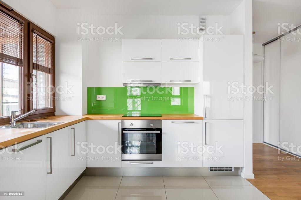 Hochglanz Weiße Küche Stockfoto und mehr Bilder von Arbeitsplatte