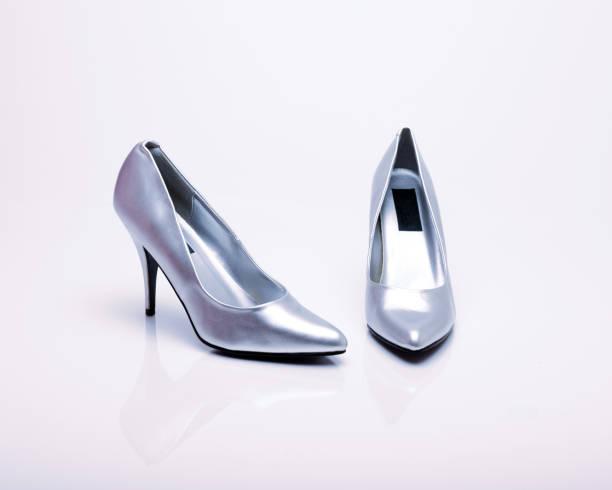 hoher high heels - glitzer absätze stock-fotos und bilder