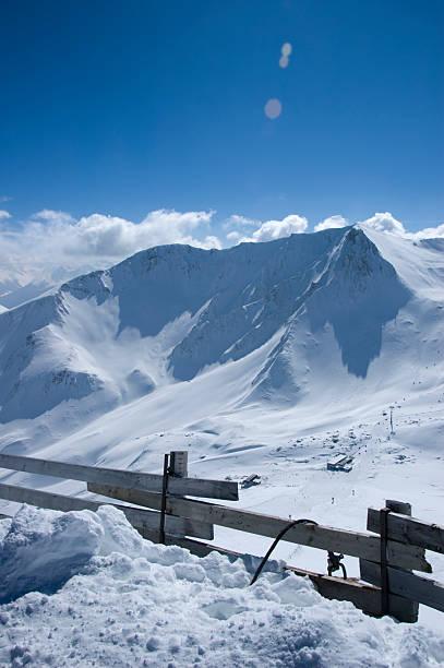 hoch in den bergen - fiss tirol stock-fotos und bilder