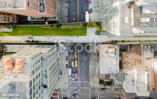 507831914 istock photo High Line Park New York 847683244