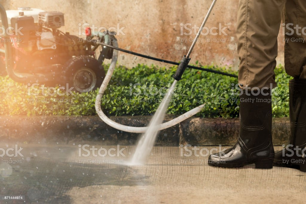 Nettoyage en profondeur à haute pression. - Photo