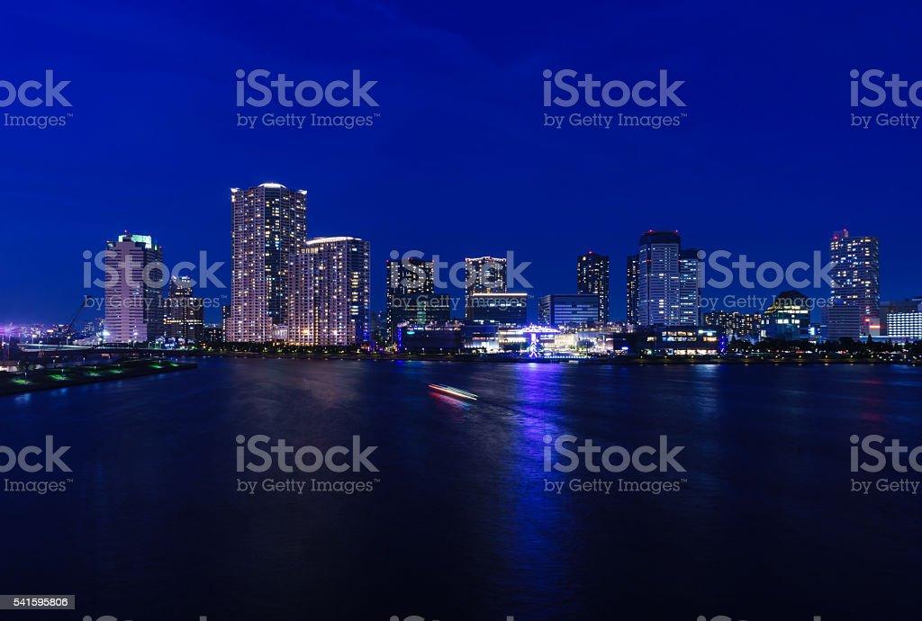 高層ビルに豊洲、東京 ストックフォト