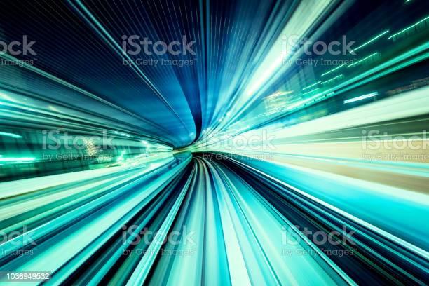 High Speed Abstract Mrt Track Of Motion Light For Design Background - Fotografias de stock e mais imagens de A caminho