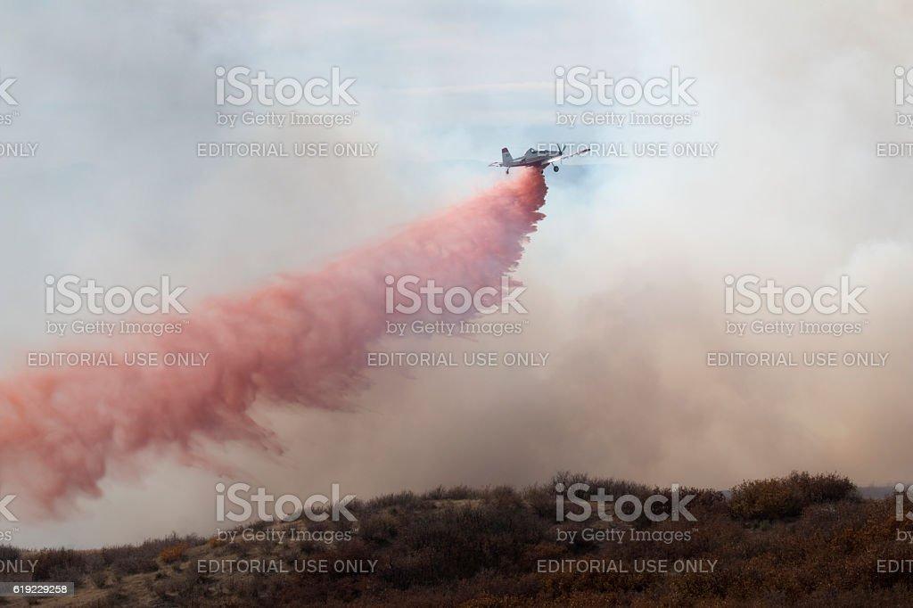 Highlands Ranch Colorado Chatridge Fire wildfire smoke slurry bomber plane stock photo