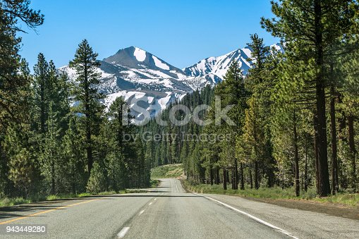 South bound on Highway 395 near Mammoth Lakes, California. Eastern Sierra Nevada, western United States.