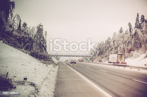 482803237 istock photo highway and ice 498148842