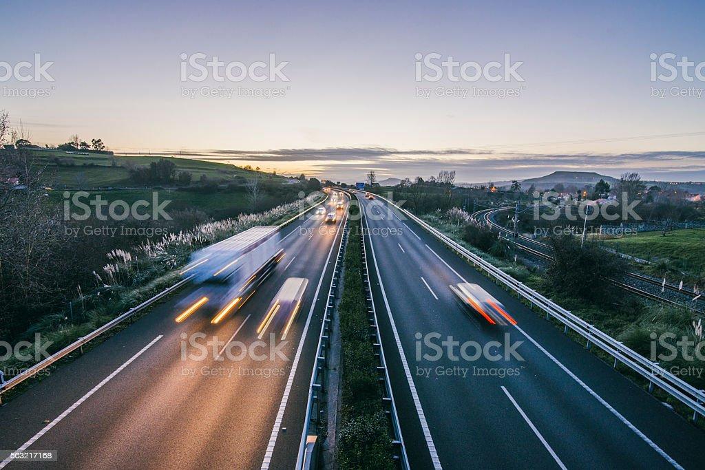 Highway bei Nacht Lizenzfreies stock-foto