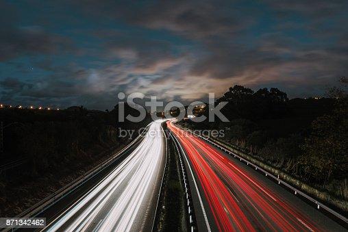 539234032 istock photo Highway at night 871342462