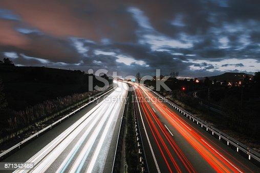 539234032 istock photo Highway at night 871342468