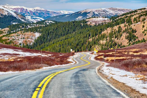 colorado rocky dağları karayolu - independence day stok fotoğraflar ve resimler
