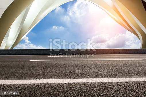 637668332 istock photo highway in front of modern bridge construction 637632466