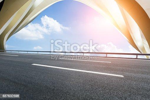 637668332 istock photo highway in front of modern bridge construction 637632598