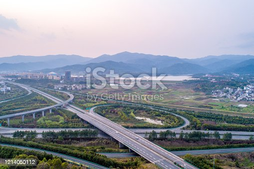 599471112 istock photo highway 1214050112