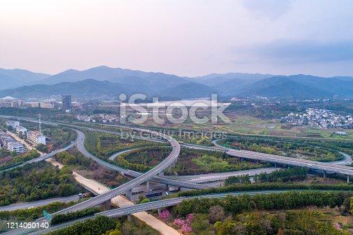 599471112 istock photo highway 1214050140