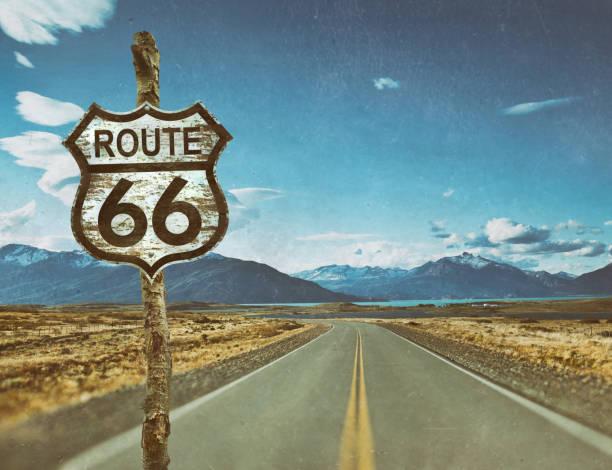 snelweg voor route 66 aanlog landweg - arizona highway signs stockfoto's en -beelden