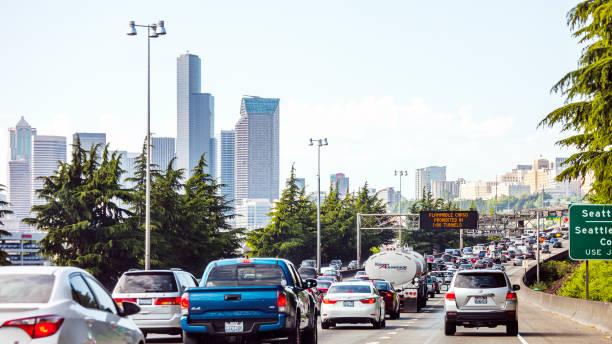 highway traffic - seattle, washington - traffic стоковые фото и изображения
